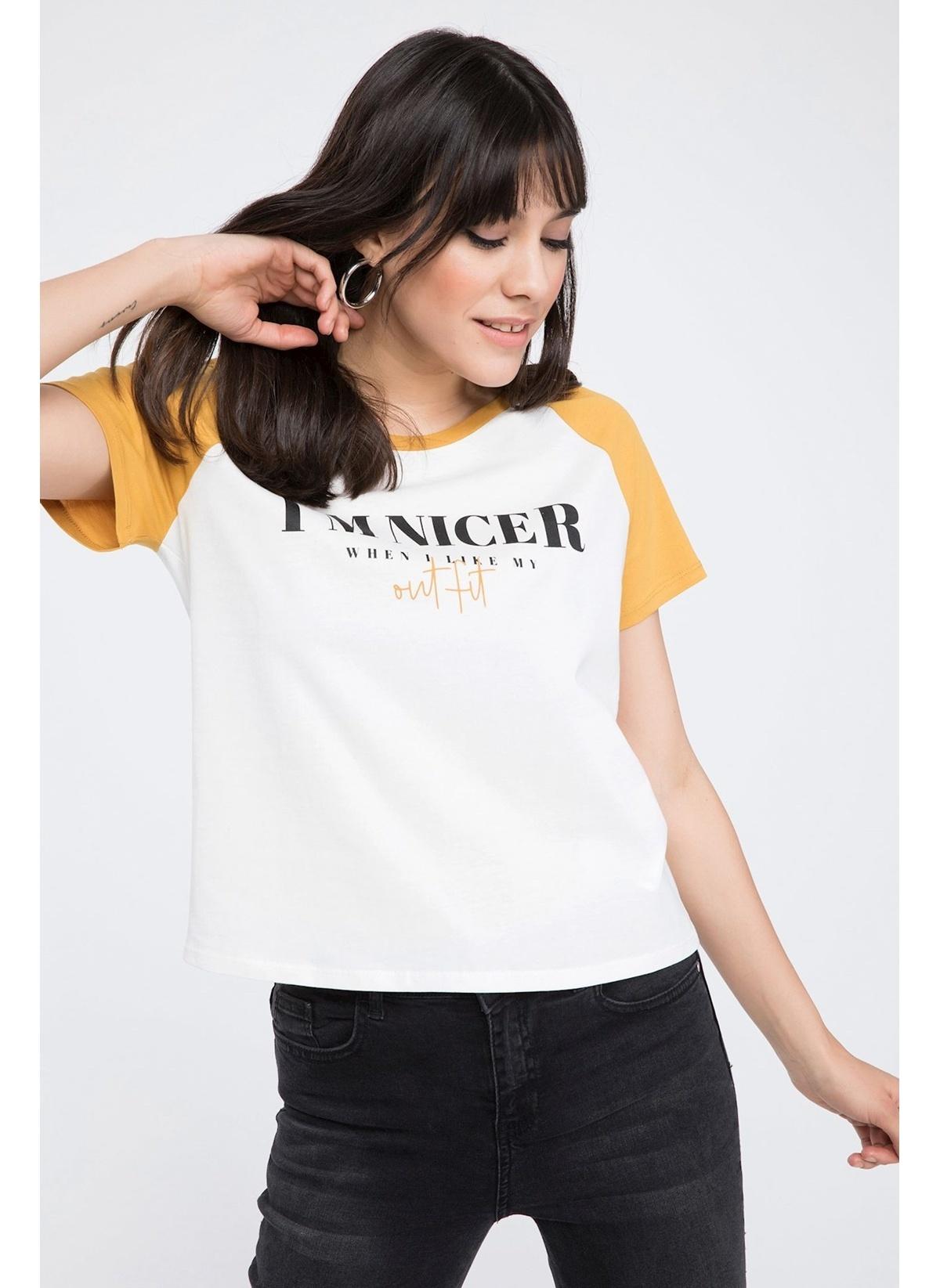 Defacto Renk Bloklu Slogan Baskılı Kısa Kollu T-shirt K5747az19spbg144t-shirt – 19.99 TL